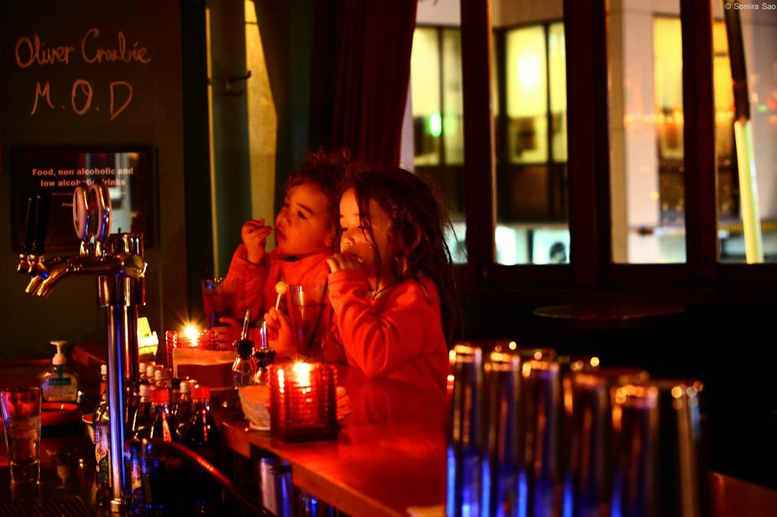 Mos Bar