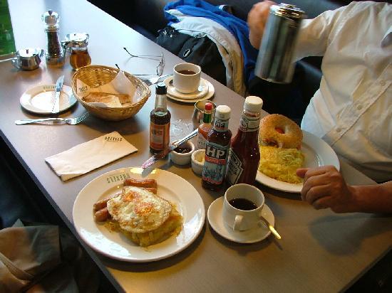 Americanos Breakfast Restaurant